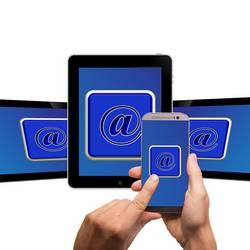 Smartphone und Tablet [(c): Bild von Gerd Altmann auf Pixabay]